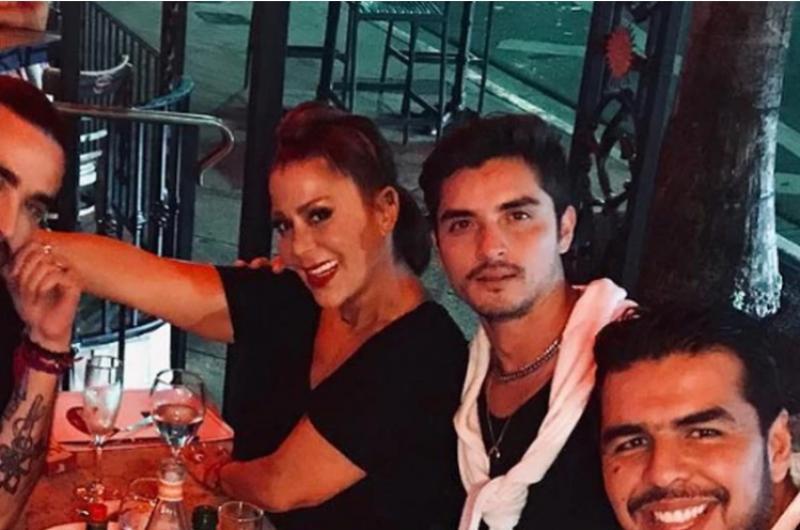 Captan a Alejandra Guzmán con el ex de su hija en los ensayos