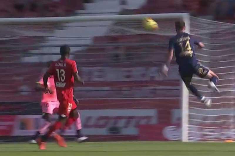 El increíble gol en Francia al estilo Súper Campeones