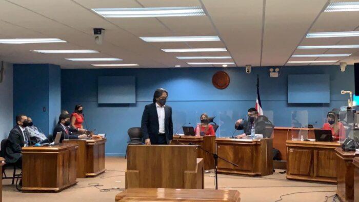 Eduardo Li acusa a Keylor Navas de conocer una clausula para lograr el despido de Pinto